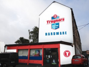 TRAYNORS SHOP FRONT vis 1